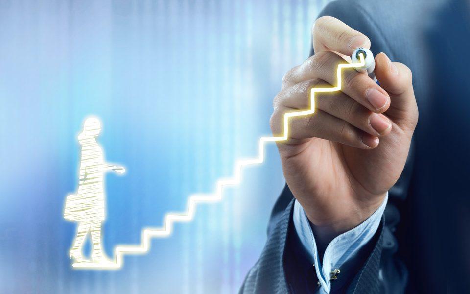 Mitarbeiterbewertungen – so gehen Sie zielgerichtet vor und umgehen Fallstricke